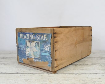 Vintage Blazing Star Bartlett Pear Crate Kelseyville Packing Co Calif. Made In USA