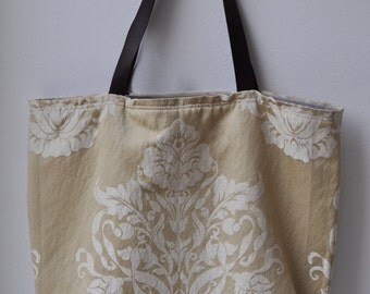 bag/tote with leather handles
