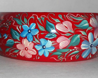 Wooden Bracelet in the Russian style with Flowers in handmade red
