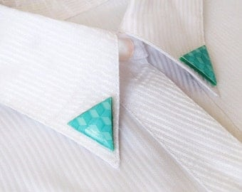 Collar Pins, Triangular brooches, Collar Brooches, Mint green collar clips, Mint Triangle geometric pattern, Pin back button