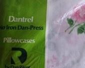 Dan River Pair of Standard Pillow Cases Pink Roses on White Floral Pattern Vintage Dantrel Free Shipping Original Packaging Deadstock