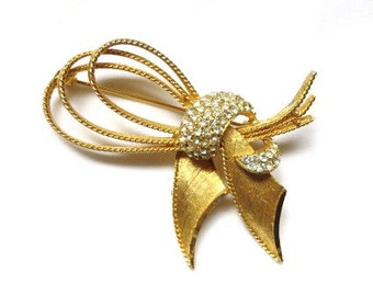 Vintage BSK gold bow brooch w/ clear rhinestones classy pin sparkly gold tone fashion jewelry