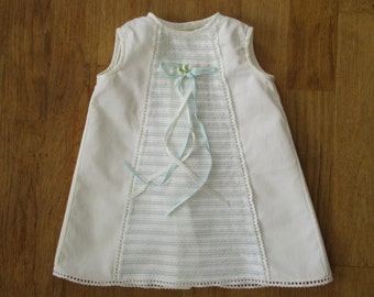 Vintage french baby girl dress, 6-9 months, 1950-1960, White-blue, Robe blanche, Mid century, France, Paris