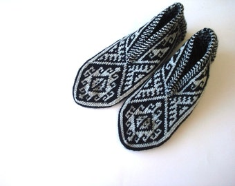 mens slippers - mens socks black and grey mens slippers, Hand knit Turkish Slippers, Gift ideas For men for him, men socks, mens winter