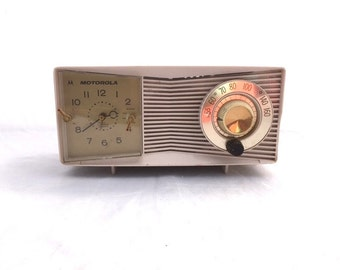 Vintage MIDCENTURY MOTOROLA Display Radio / Retro Atomic CLOCK Radio / Shelf Decor