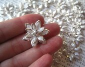 White Rhinestone Flower / 3 to 12 pcs 24mm Flat Back Rhinestone Flowers / Glam Flowers
