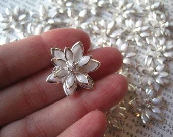 White Rhinestone Flower / 3 to 12 pcs 24mm Flat Back Rhinestone Flowers / Glam Flowers