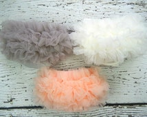 Baby Ruffle Bloomers / Chiffon Ruffle Baby Bloomer / Baby bloomers / Diaper cover / Baby Photo Prop / Ruffle Bum Baby Bloomer
