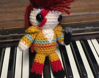 Ziggy Stardust David Bowie amigurimi plush with microphone