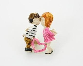 Painted 70s Folk Art Brooch - Fran Mar Love