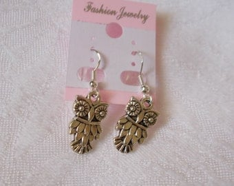 Pretty Retro Owl Pierced Earrings-R3794