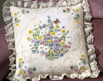 Janlynn Candlewicking Embroidery Kit, Wildflowers and Butterfly, New