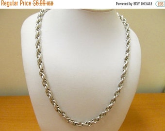 ON SALE Vintage Silver Tone Embossed Link Chain Necklace Item K # 2826