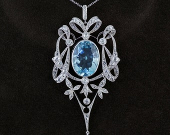 Spectacular Edwardian 12,00 Ct aquamarine and diamond platinum necklace