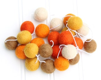 Felt Ball Garland Fall, Pom Pom Garland, Halloween Party Decor, Autumn Decor, Fall Garland, Halloween Bunting, Halloween Garland, Custom