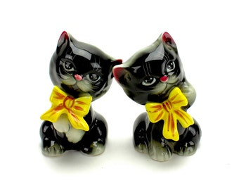 Vintage Cat Salt and Pepper, Norcrest, Kittens with Bows,  Black Cat,  Black Cat Shakers, 1950s Kitchen Kitsch, PY Japan, Epsteam