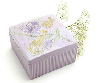 Vintage Plastic Vanity Box, Clips and Net, Purple Hair Clip Box Hair Nets Retro Vanity, Bits O'Glamour, Mitchell Gould, Hair Pin Box Epsteam