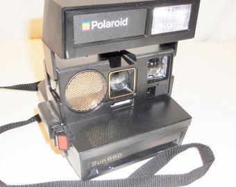 Polaroid Sun 660 Autofocus Instant Camera