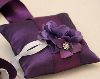 Purple Pillow Wedding Ring for Dogs, Purple Flower on Purple Pillow with Rhienstone, Wedding Dog Accessory, Ring Bearer Pillow