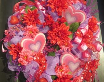 Valentines Wreaths, Valentines Mesh Wreaths, Valentines Door Wreaths, Valentine Front Door Wreaths, Valentine's Decor, Valentine Hearts
