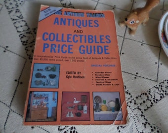 Sixth Edition Antiques & Collectibles Price Guide Book-The Antique Trader
