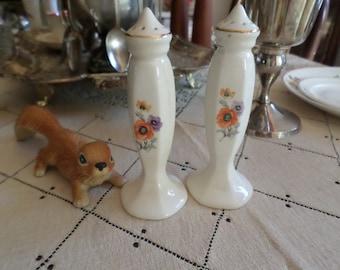 Vintage Universal Potteries Poppy Flower Tall Slender Salt & Pepper Shakers