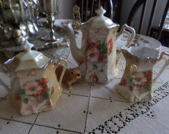 Lovely Vintage Teapot/Creamer/Sugar Bowl/Lid-Multi Colored Poppies/Poppy Flowers