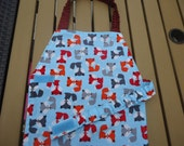 Fox Print Craft Apron for your little animal lover.  Baker apron.  Multi fox print.  Ready to ship Age 3-6  approximately