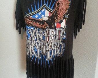 LYNYRD SKYNYRD ladies fringed band tshirt size large.
