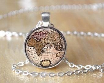 World Map Necklace - Vintage Map Pendant - Glass Globe Necklace - Traveler Gift L62