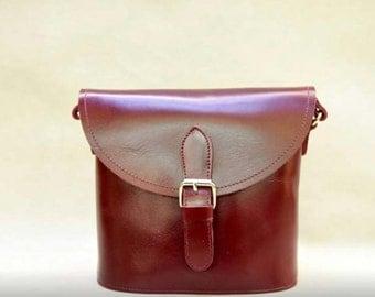 Vintage Style Genuine Leather Crossbody Messenge Bag - Wind