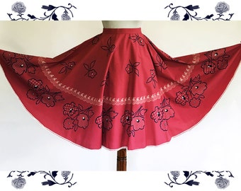 1970's Vintage Full Dirndl Skirt
