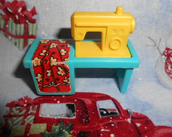 Fisher Price Little People Sewing Machine