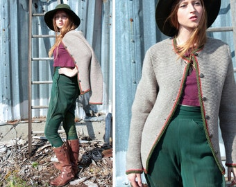 Vintage Hand Knit SWEATER CARDIGAN Classic Woman's Medium Modern Games of Throne CROWNED Metal Buttons Up Fall & Winter Wool Knitted Jackets