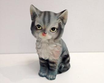 Big Eyed Cat Kitten Chalkware figurine