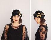 1920s Hat - Vintage 20s Black Felt & Velvet Cloche Hat - Lulú Hat