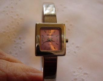 Vintage GRUEN Ladies Wrist Watch/Rose Face