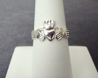 Sterling Silver Claddagh Ring Sz.8 R114