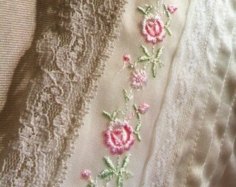 Vintage Nylon Bathrobe With Embroidered Roses And Lace