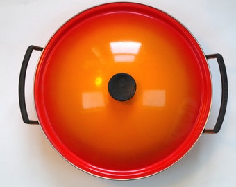 Gorgeous Le Creuset Cast Iron Wok with Metal Lid Ombre Orange Flame Rare