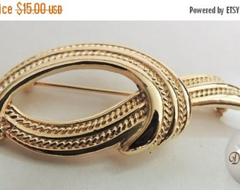 SALE 30 Vintage Jewelry Ribbon Style Brooch