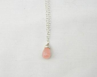 Rose Quartz Pendant, Pendant Necklace, Briolette Necklace, Quartz Pendant, Rose Quartz Necklace, Pink Pendant,Pink Necklace,Teardrop Pendant