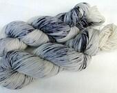 Handpainted Sock Yarn, 75 Wool  superwash, 25 Nylon 100g 3.5 oz.  Nr. 152