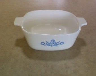 Corning ware 1-1/2 qt casserole, no chips or stains, no lid