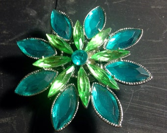 Green turquoise floral brooch for button hole