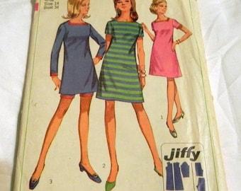 "SALE 1960s Mod Sundress Mini Dress square neckline  sewing pattern Square Neckline Simplicity 7162 Size 14 Bust 34"""