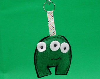 Felt little three eyed green monster key ring