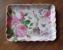 Retro Plastic Tray-Pink Postcard with The Statue of Liberty