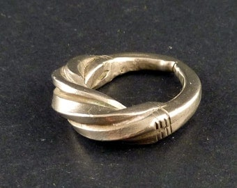 African silver ring from West Africa, fulani or peul african jewelry, tribal ring, fulani ethnic ring, Mali, subsaharian ring