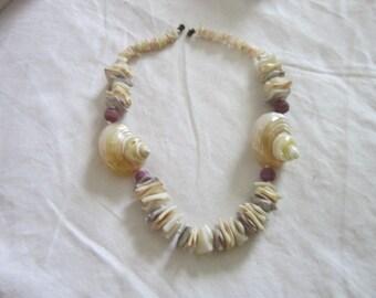 Super Bodacious 1960's Retro Puka Shell & Large Shell Choker Necklace